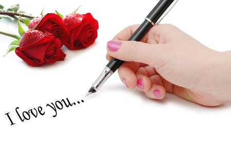 """carta de amor: """"Te quiero"""" mensaje con rosas y mano"""
