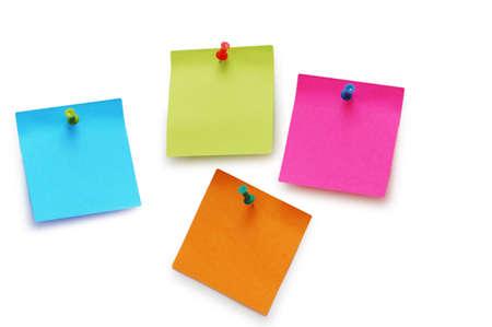 Notes d'autocollant d'isolement sur le fond blanc