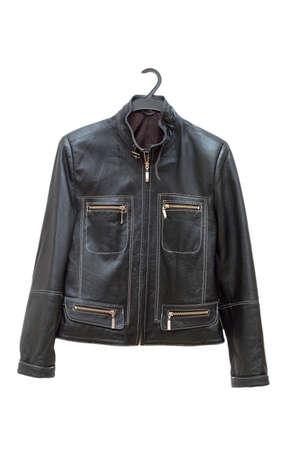 chaqueta de cuero: Negro chaqueta aisladas en el blanco backrgound