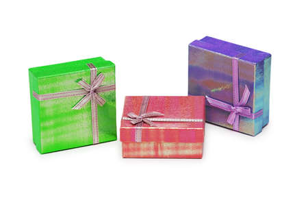 three gift boxes: Tres cajas de regalo aisladas en el blanco  Foto de archivo