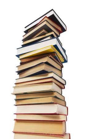 leerboek: Stapel boeken geïsoleerd op de witte achtergrond