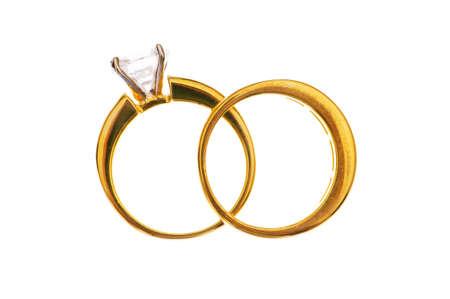anillos de boda: Dos anillos de boda aislado en el blanco