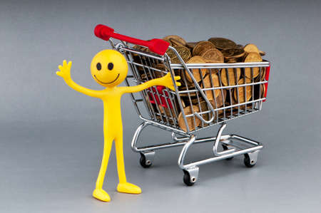 Happy family with shopping cart Stock Photo - 9590161