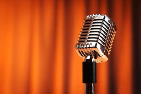 Microphone audio sur la toile de fond Banque d'images - 9715844