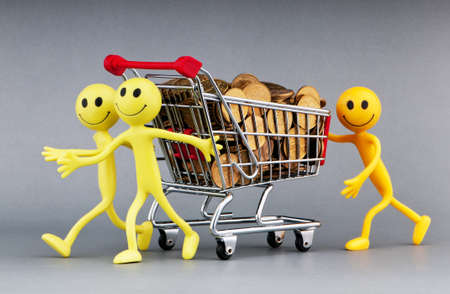 Happy family with shopping cart Stock Photo - 9752724