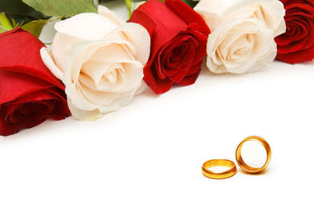 Wedding concept with roses and rings Stock Photo - 9917301