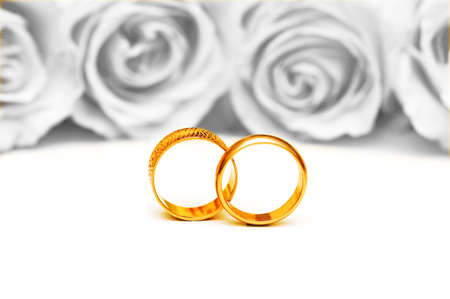 Wedding concept with roses and rings Stock Photo - 9992584