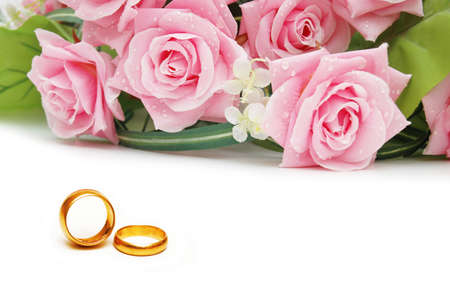 Wedding concept with roses and rings Stock Photo - 10288879