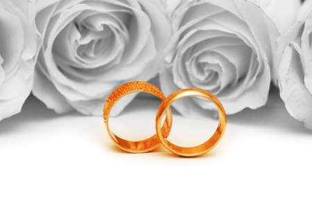 rose ring: Wedding concept with roses and rings