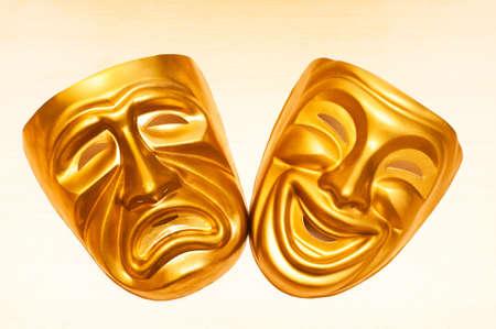 canvass: M�scaras con el concepto de teatro