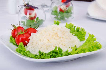 arroz: Arroz blanco servido en el plato Foto de archivo