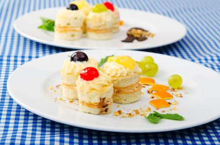 piecies: Plate full of tasty mini cakes