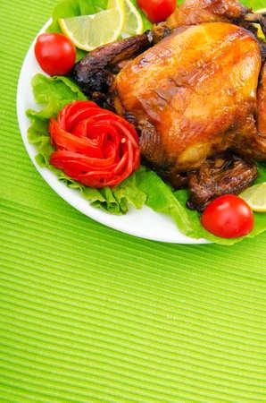 cena navide�a: Pavo asado en la mesa festiva