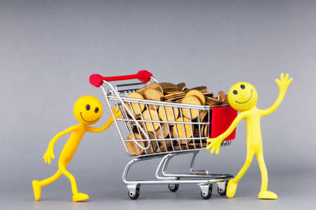 shopping carts: Smilies with shopping carts and coins