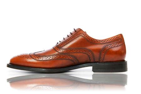 chaussure: Concept de mode masculine avec des chaussures sur blanc Banque d'images