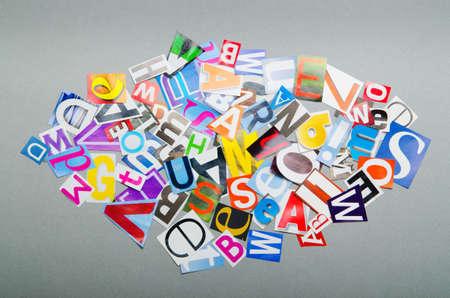 clippings: Recortes de peri�dicos con letras diferentes Foto de archivo