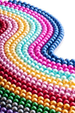 Abstract met kleurrijke parel kettingen