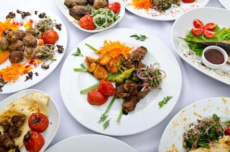 comidas: Comidas que se sirven en una mesa de partidos