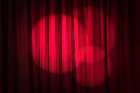 cortinas rojas: Cortinas luminosas en el concepto de teatro