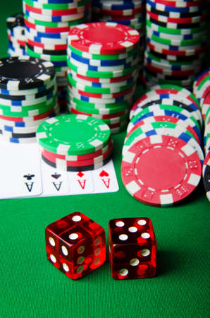 texas hold'em: Many cards and casino chips