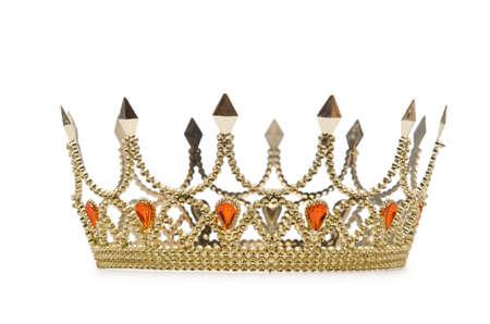 rey medieval: Corona de oro aislado en el blanco