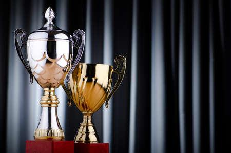 Prize Cup vor dem Hintergrund