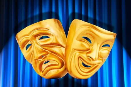 canvass: Teatro concepto de rendimiento con las m�scaras Foto de archivo