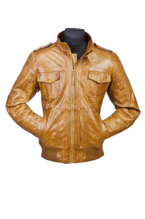 chaqueta de cuero: Abrigo masculino aislado en el blanco