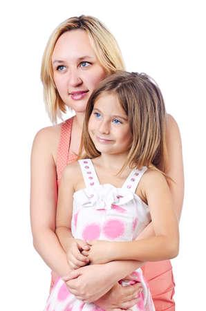 Felice mamma e figlia su bianco