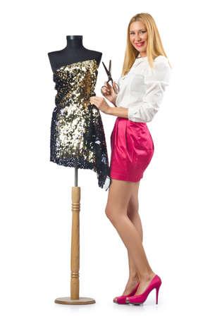 Krawiec kobieta pracuje na sukni