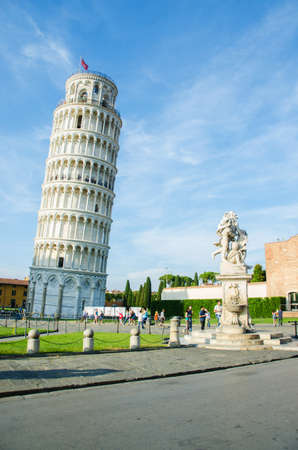 Famous leaning tower of Pisa during summer day Stock Photo - 17356614