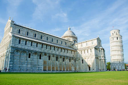 Famous leaning tower of Pisa during summer day Stock Photo - 17368245