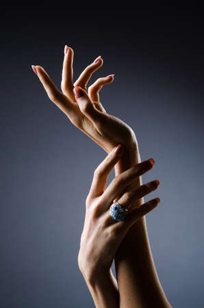 Verlobungsring an der Hand