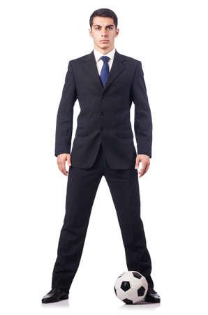 Joven hombre de negocios con el fútbol en blanco