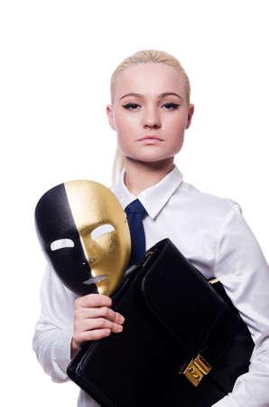 hipocresía: Mujer con la m?ara de hipocres?en concepto