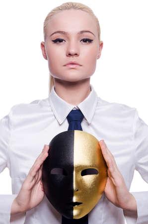 hipocres�a: Mujer con la m?ara de hipocres?en concepto