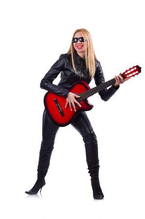 femme avec guitare: guitariste de femme en costume de cuir