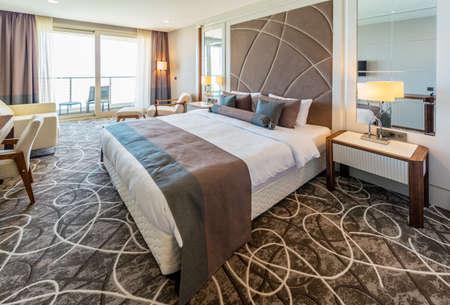 현대적인 인테리어와 호텔 객실