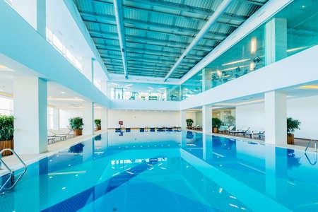 Overdekt zwembad in gezonde concept