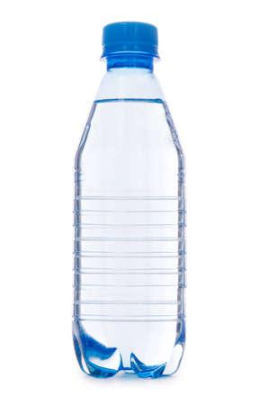 Fles water geïsoleerd op het witte