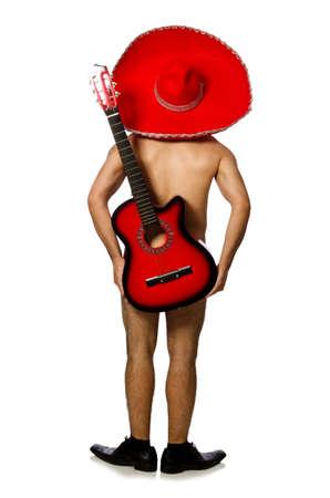 ホワイトでギターを弾くソンブレロと裸男