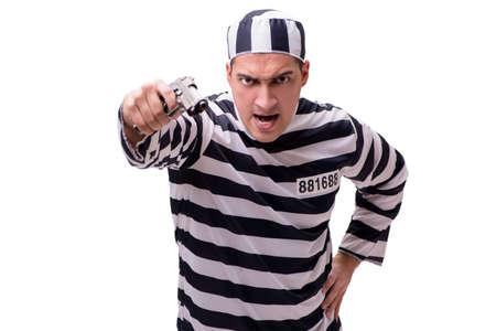Uomo prigioniero con pistola isolato su bianco