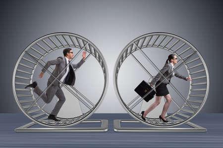 Concept d'affaires avec une paire en cours d'exécution sur la roue de hamster Banque d'images - 71199148