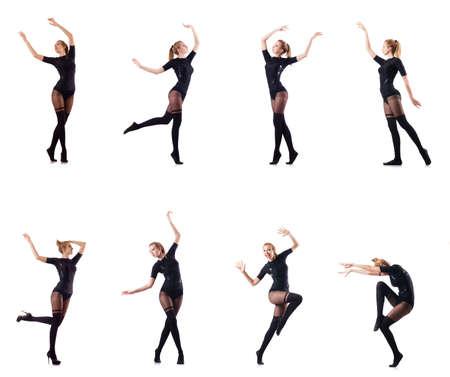 Dancing della donna isolato sul bianco