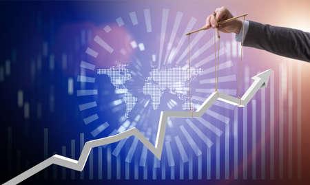 Zakenman die de groei in economie houdt Stockfoto - 79167444