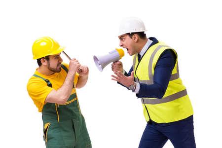 흰 배경에 고립 된 두 노동자