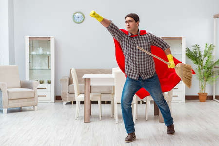 Super hero cleaner working at home Zdjęcie Seryjne - 81735819