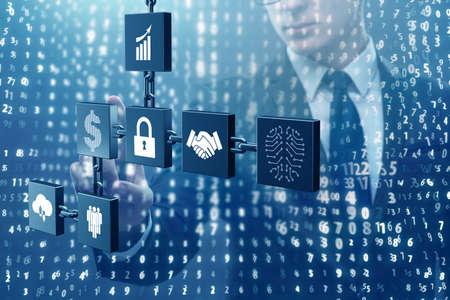 Hombre de negocios en el concepto de criptocurrency blockchain Foto de archivo