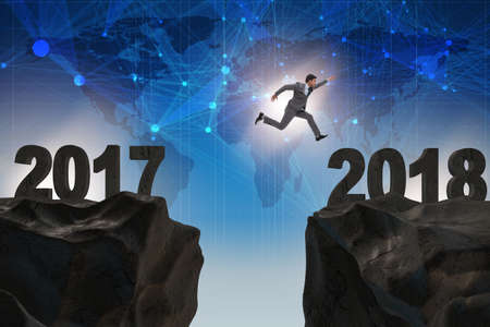Zakenman kijkt uit naar 2018 vanaf 2017
