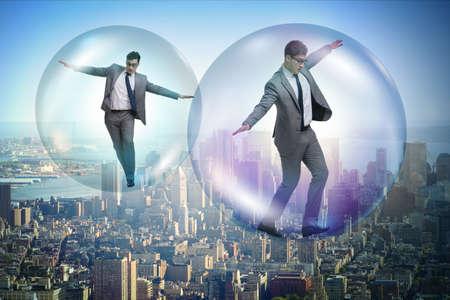 Geschäftsmann in der Blase fliegen